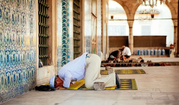Standing-for-the-Opening-Takbeer-Necessary-for-Those-Who-Pray-While-Sitting
